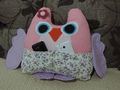 Almofada para decoração, feita em tecido, formato de coruja ou a sua escolha. Enchimento anti-alérgico. R$ 60,00