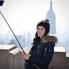 Selfie-Time 😅  #newyork #selfie #selfiestick #topoftherock #empirestatebuilding #Amerika #USA #unitedstates #Manhattan #bigapple #NYC #wanderlust #worldtraveler #travelgoals #Traveller #travel #travelling #Travelgram #potd #urlaubsreif #urlaub #vacation #potd #Germanblogger #reisetipp #reiseblogger #reiseblog #Reise #Blogger #vacation