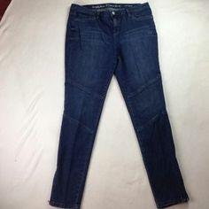 I just added this to my closet on Poshmark: Vera Wang Skinnies. Price: $40 Size: 14