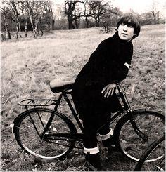 John ha preferido ir en bici.