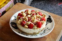 White Choc Cheesecake - Helen's Slimming World Recipes Slimming World Menu, Slimming World Deserts, Slimming World Puddings, Slimming World Recipes, Good Healthy Recipes, Sweet Recipes, Chocolate Cheesecake, Cheesecakes, Queso