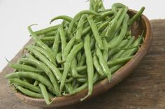 Is raw food diet healthy? What do raw fooders eat, what is raw food diet plan. Feel vibrant and healthy by eating a raw food diet for weight loss. Freeze Fresh Green Beans, Sauteed Green Beans, Cooking Green Beans, Frozen Green Beans, Organic Recipes, Raw Food Recipes, Healthy Recipes, Yummy Recipes, Healthy Food