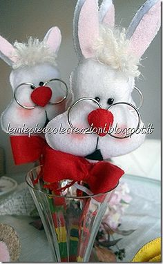 alice nel paese delle meraviglie Handmade Design, Easter Crafts, Happy Easter, Paper Flowers, Decoupage, Fairy Tales, Bunny, Gift Wrapping, Teddy Bear