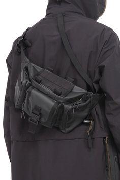 Hermes Herren Taschen Herren Zubehör - My Bag Ideas Leather Belt Bag, Leather Men, Leather Jackets, Pink Leather, Hermes, Best Suitcases, Prada, Bags Travel, Tactical Bag