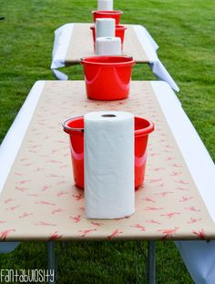 Celebrate with crawfish boil party for any occasion! Crawfish boil decorations, cupcake toppers, cake pops, beverage station, and more crawfish boil party ideas Shrimp Boil Party, Crab Party, Crawfish Party, Seafood Party, Lobster Party, Crawfish Season, Seafood Broil, Crab Broil, Fish Boil