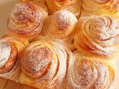 ミルククリームマーブルパン(HB使用) レシピ・作り方 by 22hot 【クックパッド】 Bread Recipes, Snack Recipes, Snacks, Pie Crust Designs, Ice Cream Pies, Bread And Pastries, Bread Baking, Bakery, Chips