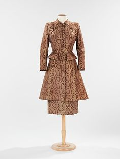Suit, Dinner  Gilbert Adrian  (American, 1903–1959)   Date:ca. 1942Culture:AmericanMedium:silk 1940s Fashion, Vintage Fashion, Vintage Couture, Vintage Style, Vintage Dresses, Vintage Outfits, Vintage Clothing, Lame Fabric, Dinner Suit