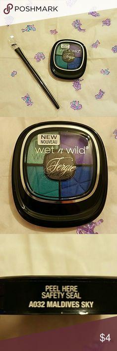 Wet n Wild Eyeshadow Palette 1-Wet n Wild Eyeshadow Palette by Fergie 2-Simple eyeshadow brush  NEW! NEVER USED Bundle to make it better ;) Wet n Wild Makeup Eyeshadow