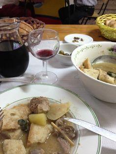 Ensopado de Borrego com Sopas de Pão. Lamb Stew with bread soups. Bread Soup, Lamb Stew, Soups, Stuffed Mushrooms, Vegetables, Food, Ideas, Stuff Mushrooms, Veggies