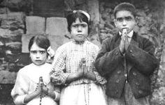 """Dios contra Satanás: la última batalla, """"el enfrentamiento final"""", será sobre la familia y sobre la vida. La profecía es de sor Lucía dos Santos, la vidente de F&…"""