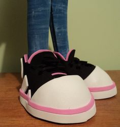 Zapatillas negras con negro, fuccia y blanco!!!