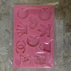 Silicone Mold $4 (Only 1 available). Please leave email and quantity. Once your order is final you must pay invoices immediately otherwise your items will be released to the next customers.  www.TheDecoKraft.com  www. http://ift.tt/2cKJCmg  #resin #weddings #pearls #wedding #siliconemold #cakestagram #bling #blingers #blingblingbling #diyglam #craftsupplies #customcases #casemaker #crafters #customdesigns #cellphonebling #diy  #cakedecorating #handmade #baking #cakes #cabochons #rhinestones…