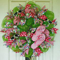 Flip Flop Wreath, Beach Wreath, Spring Wreath, Summer Wreath, Green Mesh Wreath, Indoor Wreath, Outdoor Wreath, Door Wreath, Welcome Wreath by MeMaandCo on Etsy