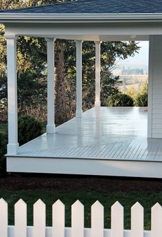 A Country Farmhouse: Easter Light  Would love a low-slope (standing seam) roofed painted board porch out front of 170canyon