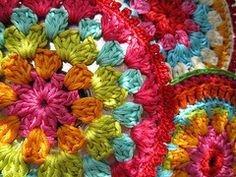 great colors in this round granny square