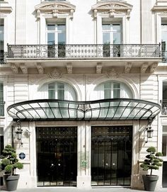 Haussmann-era townhouse was built in 1866 for the Duchess of Rivoli. Hotel La Maison Champs-Elysées.