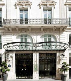 Haussmann-era townhouse was built in 1866 for the Duchess of Rivoli. Hotel La Maison Champs-Elysées.