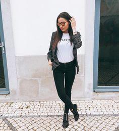 "454 Gostos, 5 Comentários - Paula Taveira (@paulataveira) no Instagram: ""about yesterday 🕶 #ootd . . . #style #instablog#dailyfashion #instafashionista…"""