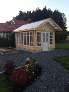 Cottage Garden Sheds, Garden Shed Diy, Veg Garden, Window Greenhouse, Greenhouse Shed, Greenhouse Plants, Gazebo, Pergola, Yard Sheds