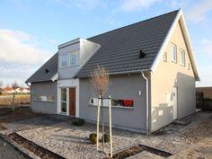 Skanör, ett hus som passar i både träfasad och putsad fasad. Modern villa med fantastiskt ljus.