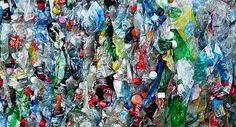 Hoppressade plastflaskor