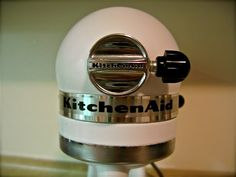 Kitchen Aid Mixer Redo: Paint one any color using epoxy spray paint!