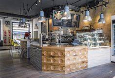 Pow Wow Königplatz - design by Dreimeta. ::: cafe, coffee, design, counter, wood, industrial lamps