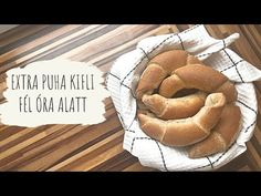 EXTRA PUHA KIFLI FÉL ÓRA ALATT!!! - YouTube Youtube, Food, Essen, Meals, Youtubers, Yemek, Youtube Movies, Eten