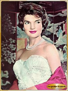 Triple strand pearl necklace worn beautifully on Jackie Kennedy. So glamorous.
