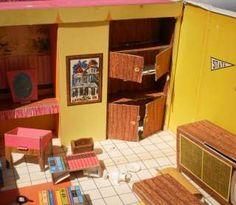 Original 1962 Mattel Barbies Dream House w/ Accesories Barbie NR