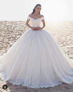 2019 Off the Shoulder Princess Wedding Dresses V Neck Lace Elegant Bridal Dresses Vestido De Novia Princess Ball Gowns, Princess Wedding Dresses, Dream Wedding Dresses, Bridal Dresses, Wedding Gowns, Modest Wedding, Trendy Wedding, Lace Wedding, Bridesmaid Dresses
