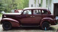 Roanoke College Students Are Converting A 1939 Pontaic Silver Streak Into An Electric Vehicle