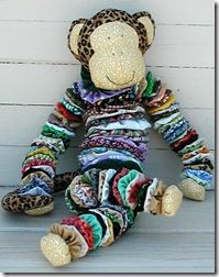 Fabrics N Quilts: Bubbles the Yo-Yo Monkey Tie Crafts, Fabric Crafts, Easy Crafts, Diy Craft Projects, Crochet Projects, Sewing Projects, Sewing Art, Sewing Crafts, Sewing Patterns