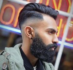 The drop fade haircut is a modern version of the popular classic fade. Just like the name implies, the drop fade haircut is cut low behind the ears, Low Fade Comb Over, Comb Over Fade Haircut, Short Comb Over, High Fade Haircut, Stylish Haircuts, Haircuts For Men, Afro, Side Swept Hairstyles, Men's Hairstyles