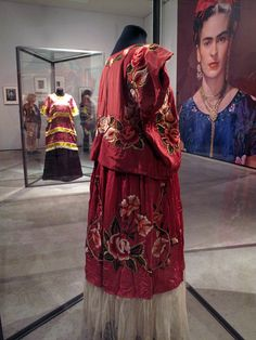 museum exhibition of frida kahlo | Frida Kahlo | Feminine Moments