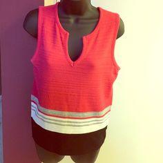 Gloria Vanderbilt knit top like new. size medium. Gloria Vanderbilt Tops