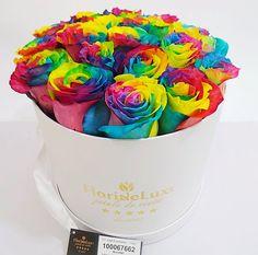 Trandafiri curcubeu, rainbow roses Sprinkles, Rainbow, Candy, Flowers, Rain Bow, Rainbows, Sweets, Candy Bars, Chocolates