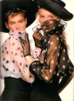 """""""In Regalo Una Mode Per Piacere"""", Grazia Italia, March 1989Models : Meghan Douglas & Unknown"""
