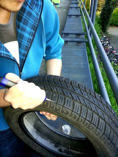 How to resole shoes with old tires Resole Shoes, Cool Diy, Tire Craft, Painted Tires, Reuse Old Tires, Reuse Recycle, Pvc Moulding, Used Tires, Plastic Bottle Crafts
