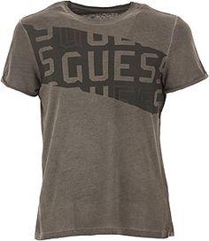 Camisetas de Marca para Hombre | Raffaello Network My T Shirt, Tee Shirts, T Shart, Lacoste, Fitness Motivation, Apparel Design, Mens Tees, Printed Shirts, Shirt Style