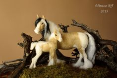 MOMS PRIDE Felted set sculpture, Mother and Foal.  This is Bata, (mother, in the Gypsy language) and her son Balogar that in the same language means to fly.  This beautiful needle felted soft sculpture will make the delight for those who like me, loves horses, their spirit and soul.  Bata, is 7,2in tall, and her coat, tail and mane, has been created with first quality fibers including Merino and Alpaca. Glass hand painted eyes. They both, only has wire at legs, with no other armature. All…