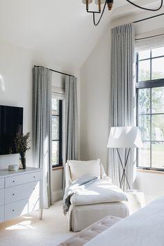 Aspen, Home Bedroom, Bedroom Decor, Master Bedroom, Design Bedroom, 1920s Bedroom, Bedroom Ideas, Light Bedroom, Bedroom Corner