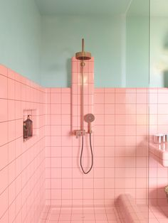 8 Shower Niches Fueling Our Love for the Luxe Detail Is a shower niche the height of bathroom luxury? These eight spaces say yes—here are the design tips we're taking from them. Small Bathroom Decor, Retro Bathrooms, Bathroom Decor, Pink Bathroom, Shower Niche, Ensuite Bathroom Designs, Luxury Bathroom, Interior Architect, Pink Tiles