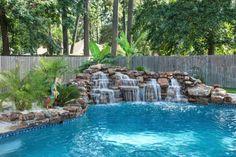 cascada natural en la piscina - 7 Cascadas para piscinas