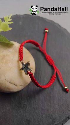 Diy Crafts Hacks, Diy Crafts Jewelry, Diy Crafts For Gifts, Bracelet Crafts, Diy Bracelets Video, Diy Friendship Bracelets Patterns, Handmade Bracelets, Handmade Jewellery, Braided Bracelets