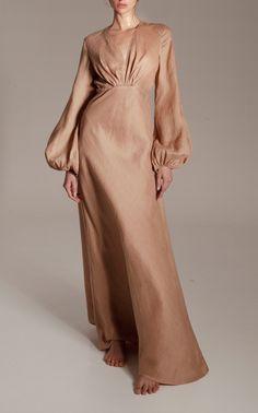 Kalita Utopia Open-Back Linen Gown Muslim Fashion, Modest Fashion, Hijab Fashion, Fashion Dresses, Types Of Dresses, Day Dresses, Evening Dresses, Mode Hijab, Satin Dresses