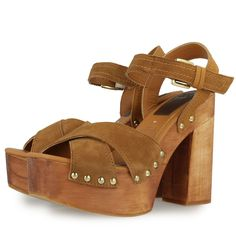 High heel brown leather sandals with platform and 12,5 cm heel. Ankle strap closing. Studded sole. Upper in leather and synthetic insole. | Gioseppo
