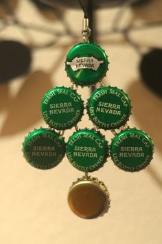 Love me some Sierra Nevada!  Gotta do this......bottle cap Christmas tree