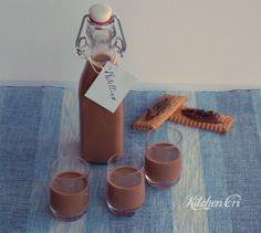 liquore alla nutella chiamato anche il nutellino un esplosione di cioccolato per un dopo caffè sublime, ottima come idea regalocon bottiglie personalizzate
