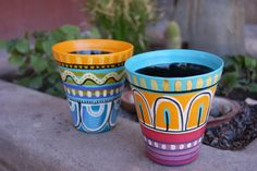 Macetas pintadas Laura Matellan Painted Clay Pots, Painted Flower Pots, Craft Storage, Storage Ideas, Clay Pot Crafts, Native American Beading, Art Programs, Pottery Designs, Do It Yourself Projects